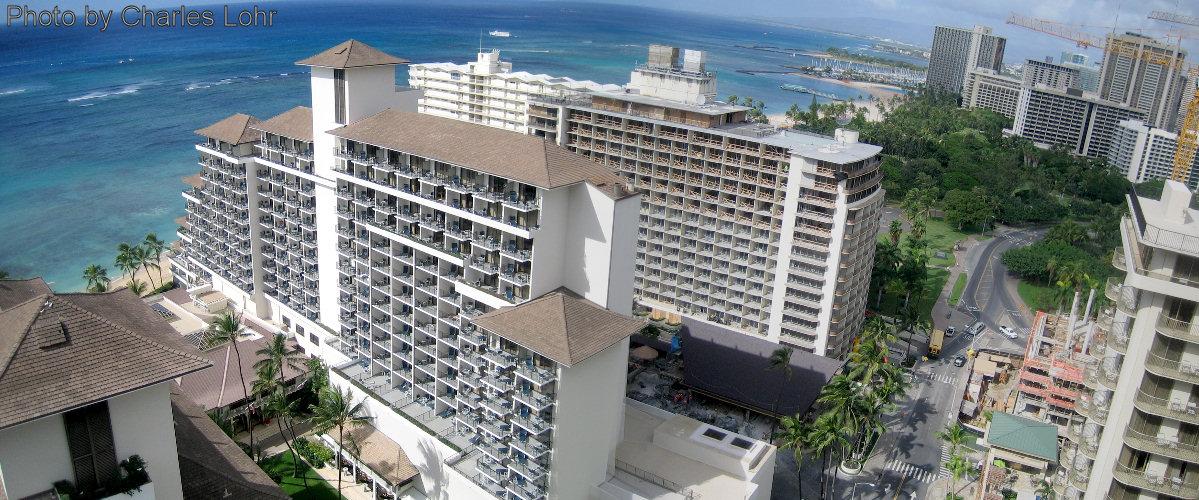 Outrigger Waikiki Beach Resort Vs Outrigger Reef